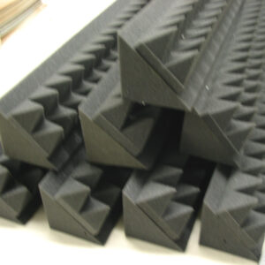 acoustic bass pyramid corners