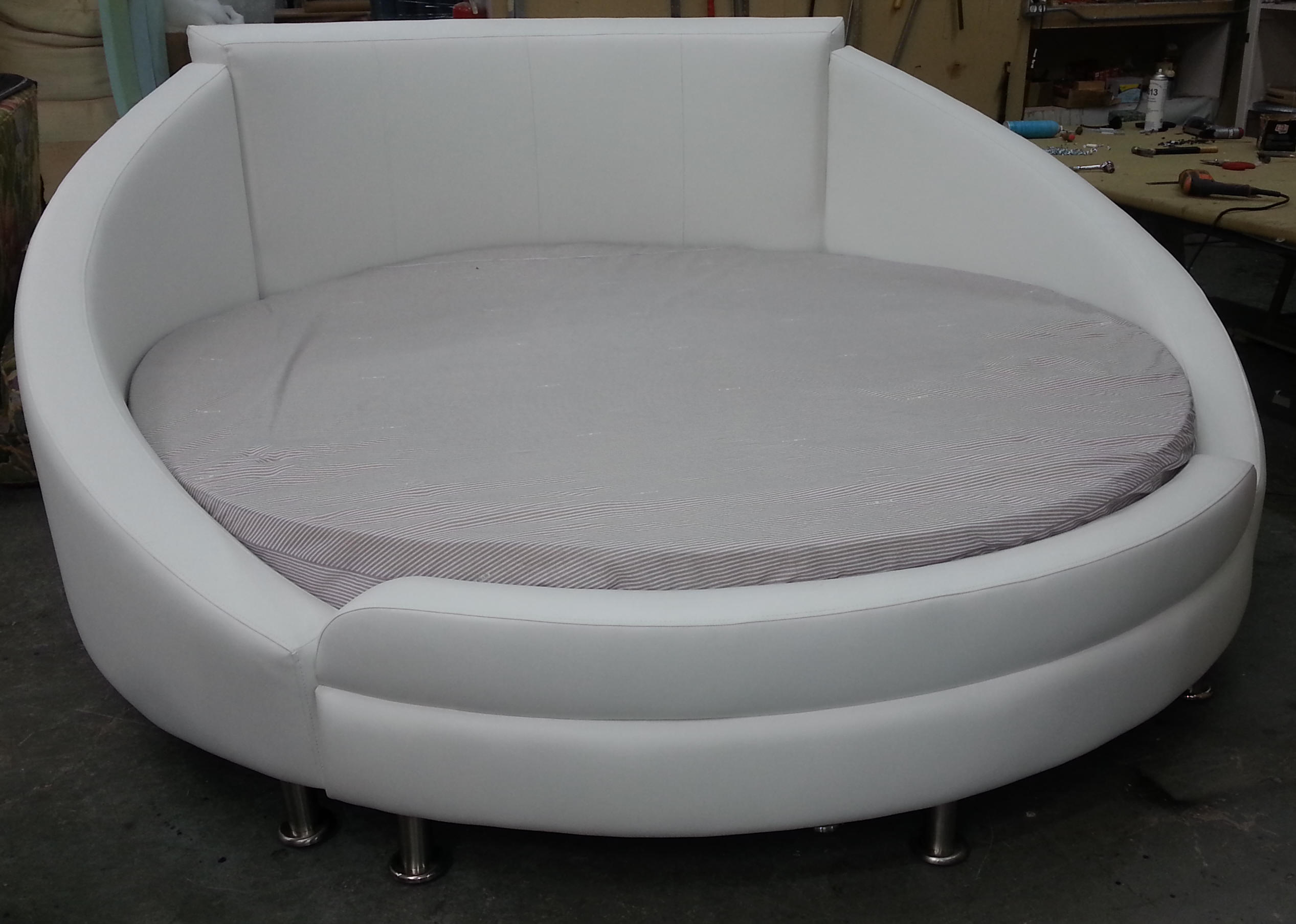round Bed Complete