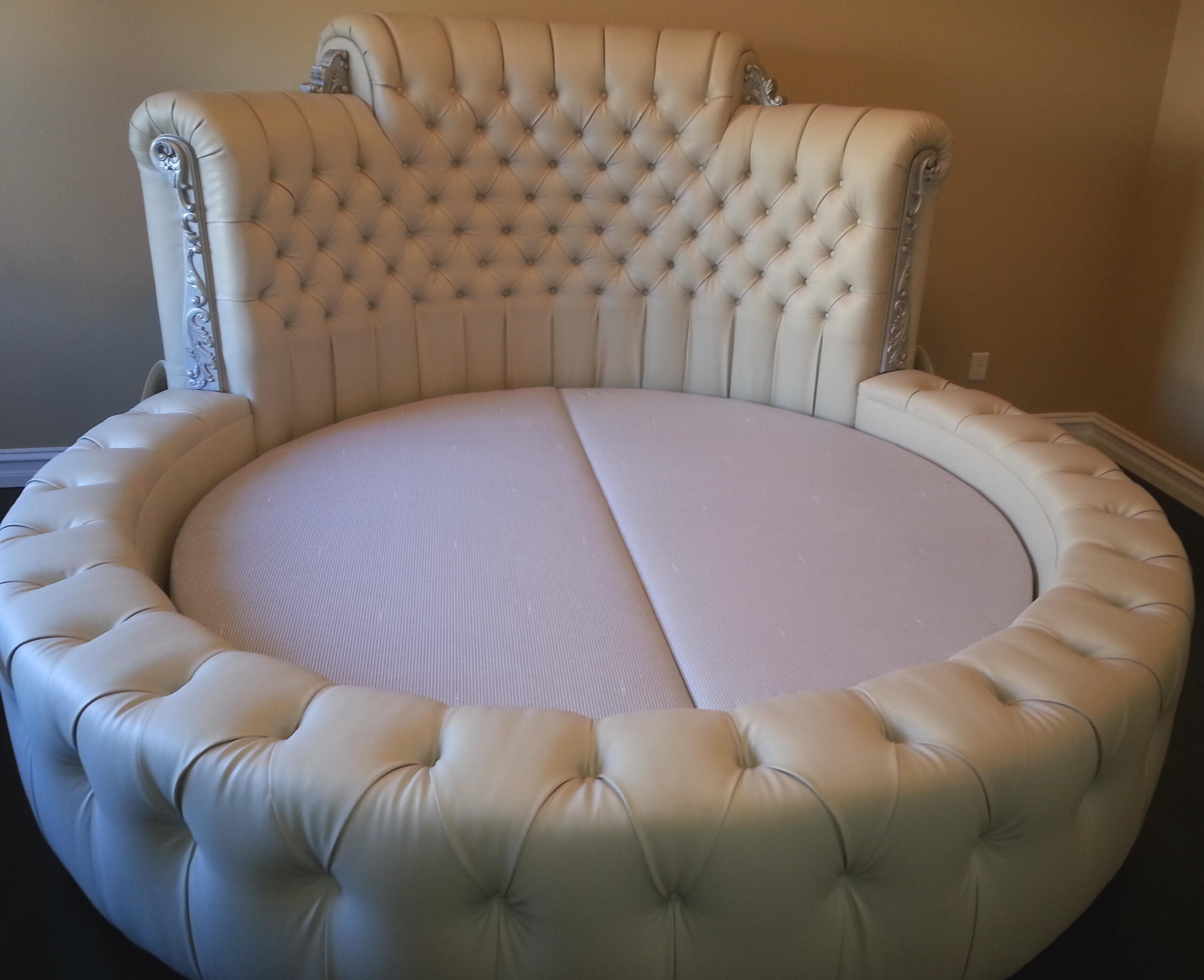 tufted round Bed